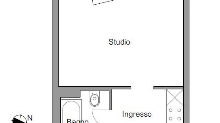 Luminoso studio ammobiliato al 2° piano