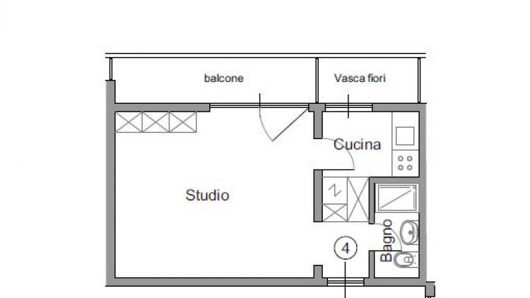 Luminoso studio ristrutturato al 1° piano