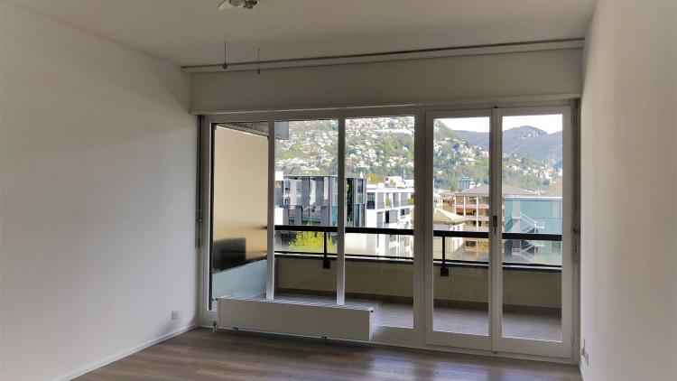 Monolocale luminoso e ristrutturato - al quarto piano