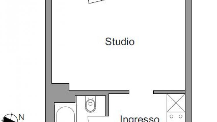Luminoso studio ammobiliato al 4° piano