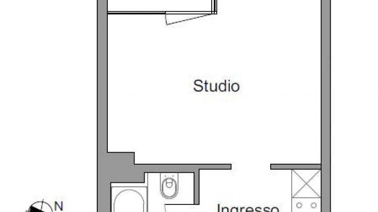 Luminoso studio ristrutturato al 3° piano